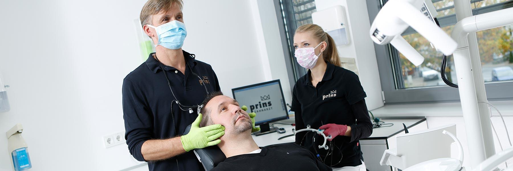 CMD Zahnarzt Uwe Prins hilft mit der CMD-Therapie in Langenhagen
