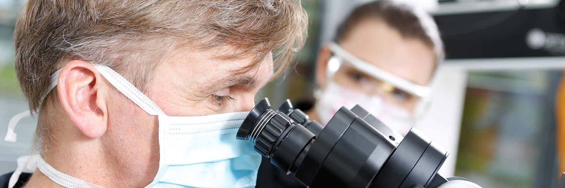 Zahnwurzelbehandlung (Endodontie) Langenhagen mit OP-Mikroskop