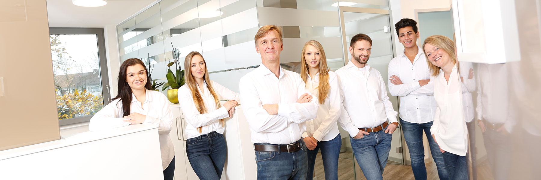 Experten für Zahnimplantate Langenhagen: Zahnarzt Uwe Prins & Team.