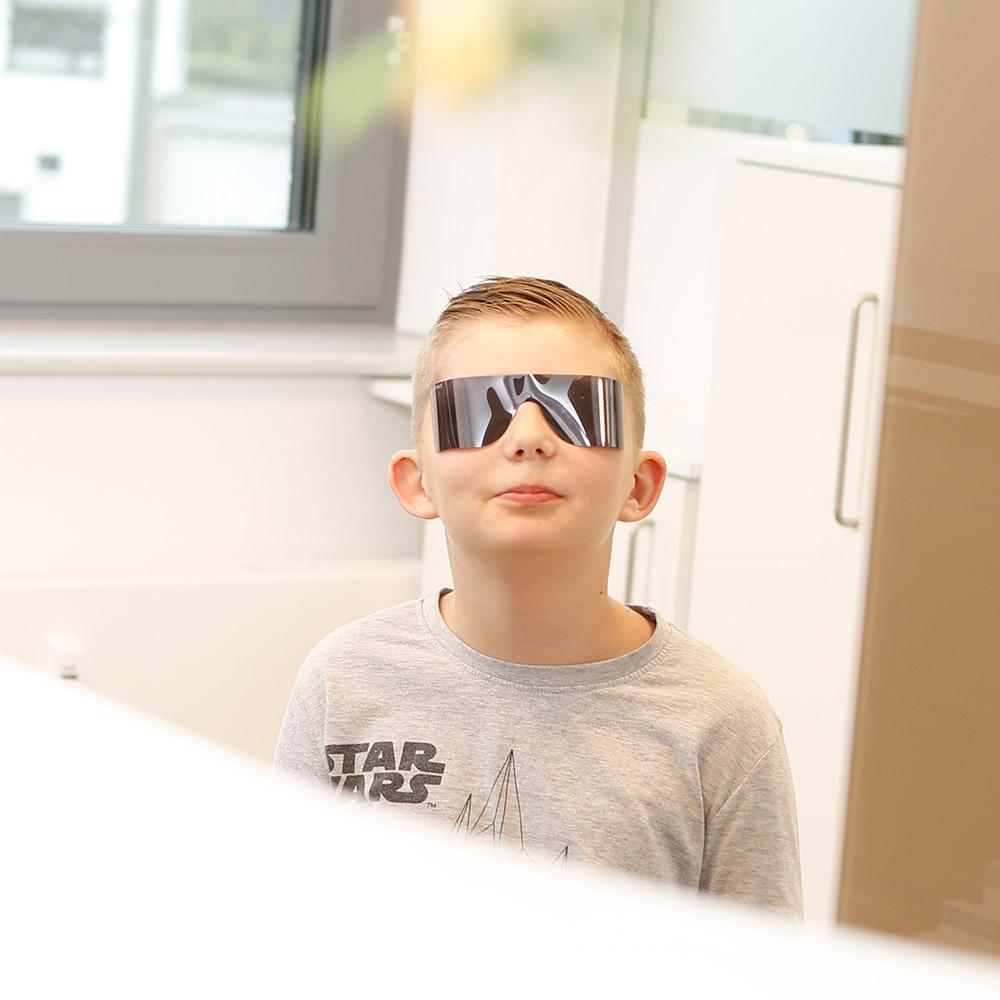 Laser Zahnarzt Langenhagen – Behandlung nur mit Schutzbrille