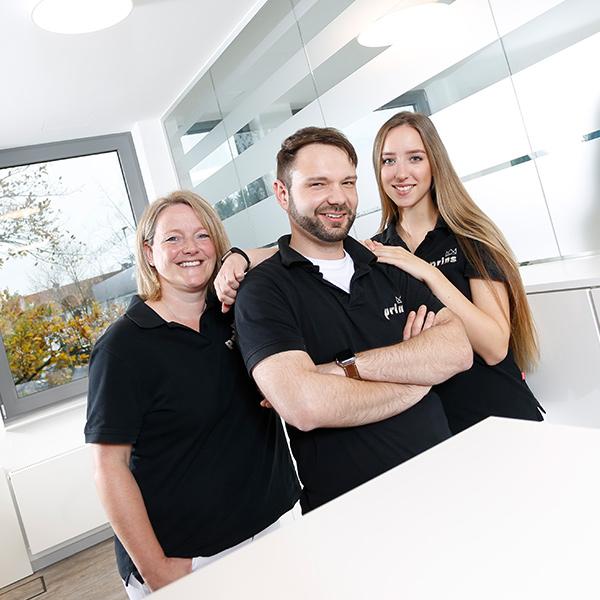 Das Team von Uwe Prins berät Sie zu Veneers Langenhagen
